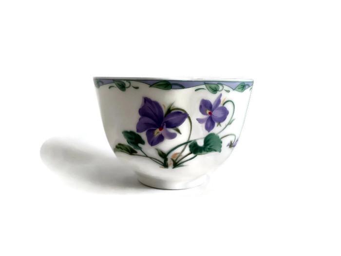 Miska Fialky z jemného japonského porcelánu